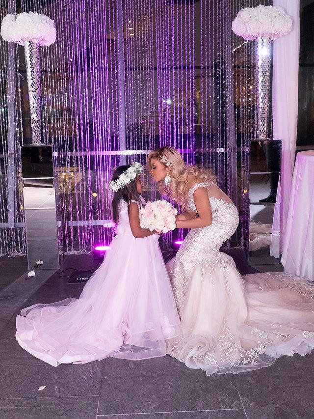 Contemporáneo Wedding Dress Bee Viñeta - Ideas para el Banquete de ...